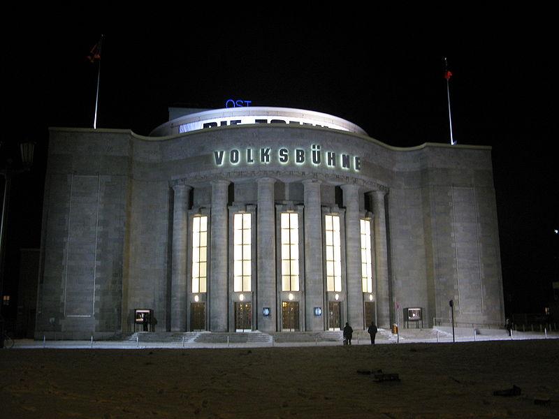 800px-Volksbühne_Berlin_Winter