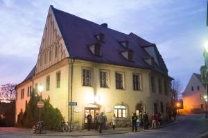Merseburger Kult(ur)-WG Domstraße 2 Zimmer frei im Studierendenklub